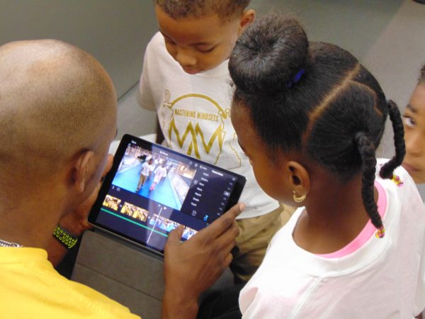 MMLV kids make an Ipad movie